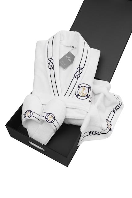 Soft Cotton Luxusní pánský župan s ručníkem a pupučemi MARINE MAN v dárkovém balení Bílá XXL + papučky (42/44) + ručník + box