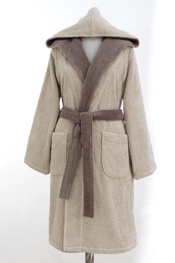 Soft Cotton Dámsky krátky župan LEAF s kapucňou. Hnedý dámsky župan LEAF si môžete zaobstarať vo veľkosť S, M a L. Je hrejivý, výborne saje vlhkosť a zahalí celú vašu postavu, lebo má kapucňu a je vyrobený zo 100% česanej bavlny. Béžová S