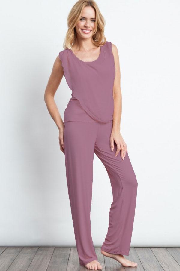 Luisa Moretti Dámske pyžamo bambusové STEPHANIA. Dvojdielne bambusové pyžamo STEPHANIA v béžovej farbe Vás zaujme svojou jemnosťou a ľahkosťou. XL Čučoriedková