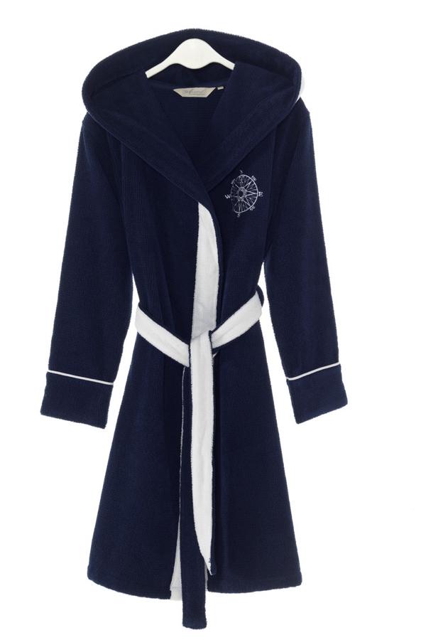 Soft Cotton Dámsky krátky župan MARINE LADY s kapucňou. Kapucňa prechádza v šálový golier, dĺžka županu je po kolená. Výborný po kúpeli, či už doma alebo v prírode. Tmavo modrá L