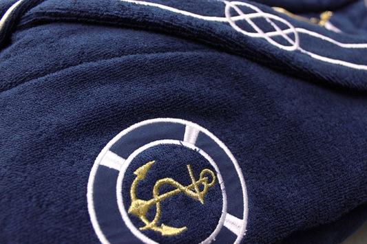 Soft Cotton Luxusní pánský župan s ručníkem a pupučemi MARINE MAN v dárkovém balení Tmavě modrá L + papučky (42/44) + ručník + box