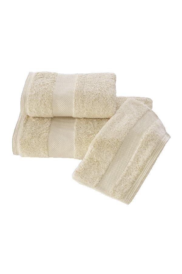 Soft Cotton Luxusné uterák DELUXE 50x100cm. Najlepšie uteráky, ktoré spĺňajú požiadavky na savosť, hebkosť a ľahkú údržbu. Svetlo béžová