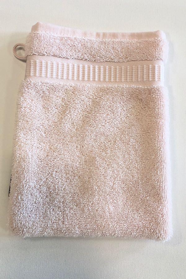 Soft Cotton Umývací froté žinka SOFT 16x22 cm. Umývacia žinka zo 100% česanej egejskej bavlny Vám spríjemní Vašu bublinkovú kúpeľ svojim hebkým zamatovým vzhľadom. Ružová