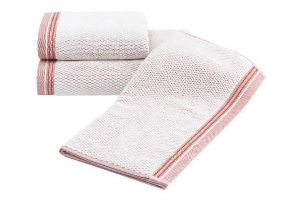 Soft Cotton Sada Ručníků TERRA 50x100 cm + 75x150 cm. Ručník a osuška o gramáži 500 g/m2 . Je vyroben ze 100% česané bavlny, takže skvěle saje vlhkost a rychle prosychá.