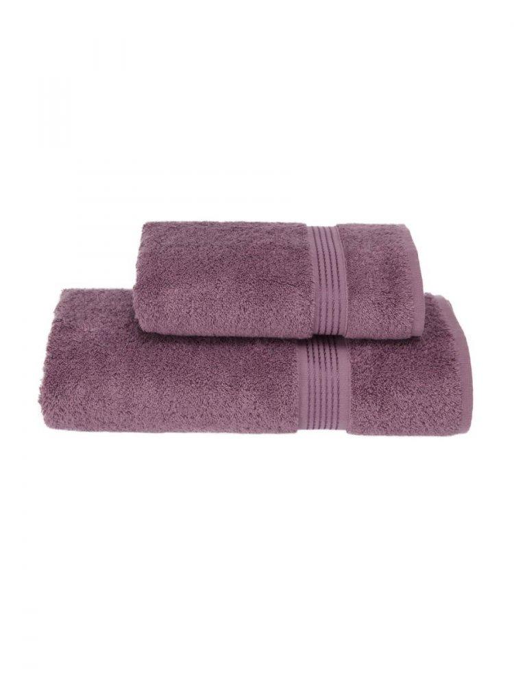 Soft Cotton Osušky LANE 75x150 cm. Osuška je vyrobená z vysoko kvalitnej 100% česanej bavlny o gramáži 580 g/m2. Jej rozmery sú veľkorysé 75x150 cm. Fialová