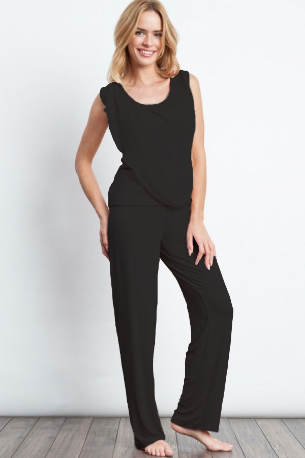 Luisa Moretti Dámske pyžamo bambusové STEPHANIA. Dvojdielne bambusové pyžamo STEPHANIA v béžovej farbe Vás zaujme svojou jemnosťou a ľahkosťou. S Čierna
