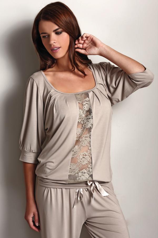 Luisa Moretti Dámske bambusové pyžamo SERENA. Talianske dámske pyžamo SERENA s nápaditou čipkou, vyrobené zo 100% bambusového vlákna, balené v darčekovom boxe. M Béžová