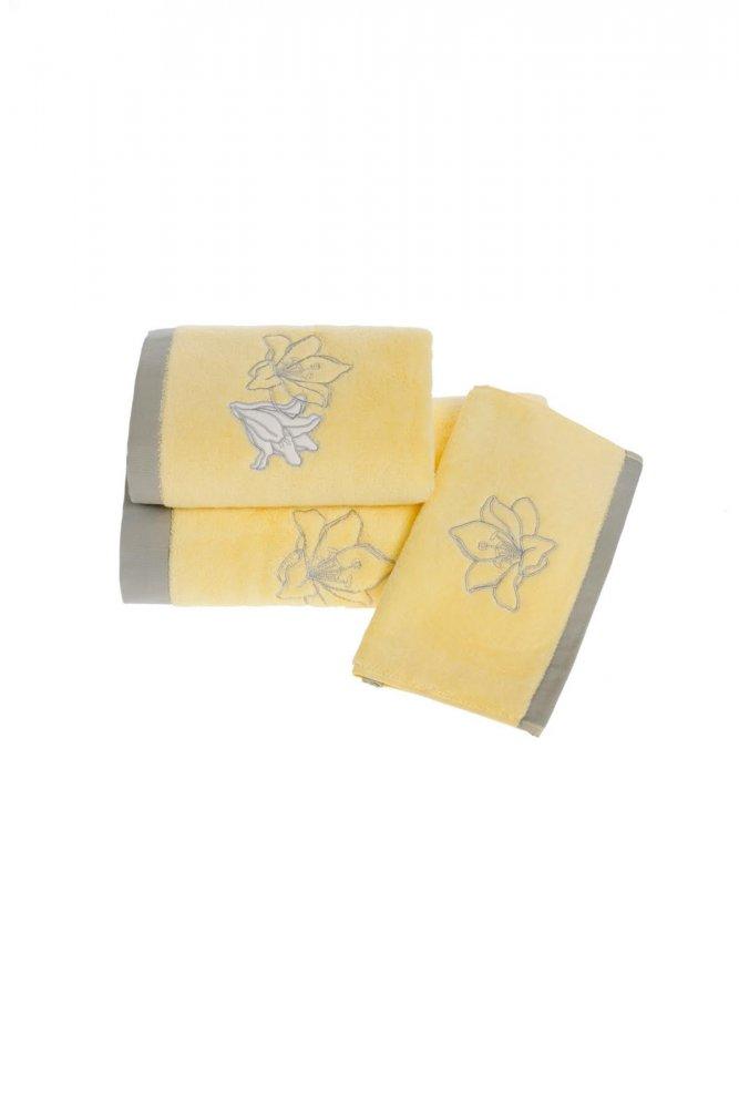 Soft Cotton Ručník LILIUM 50 x 100 cm. Rozměry ručníku LILIUM činí 50 x 100 cm. Výšivka v podobě květu lilie je v barvě bílé a béžové. 100% česaná bavlna o gramáži 500 g/m², to je naprosto spolehlivý materiál.