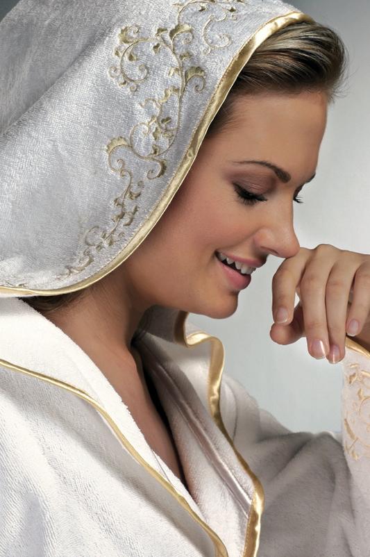 Krátký dámský župan RENGIN s kapucí Bílá / růžová výšivka L